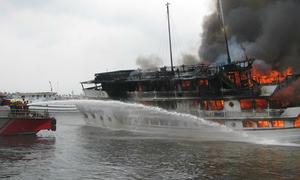 Bốn người bị thương trong vụ cháy du thuyền Tuần Châu