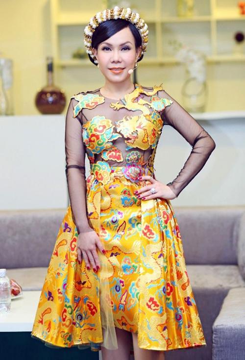 viet-huong-chon-trang-phuc-long-lay-cho-gala-got-talent-8