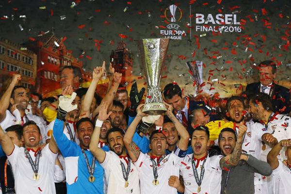 niem-vui-noi-buon-sau-chung-ket-europa-league-2