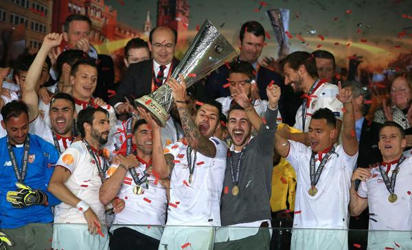 niem-vui-noi-buon-sau-chung-ket-europa-league-3