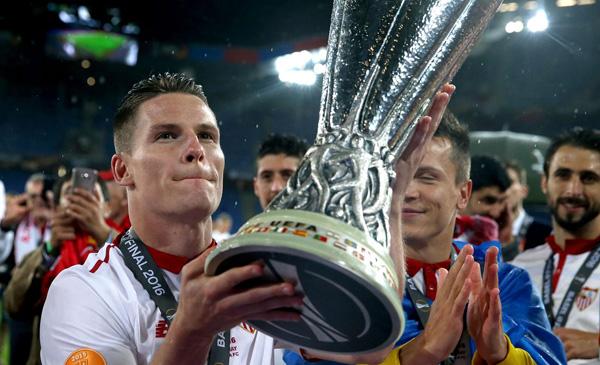 niem-vui-noi-buon-sau-chung-ket-europa-league-4