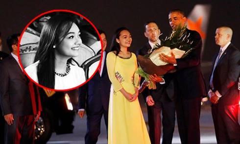 Vẻ đẹp trong sáng của nữ sinh tặng hoa Tổng thống Obama