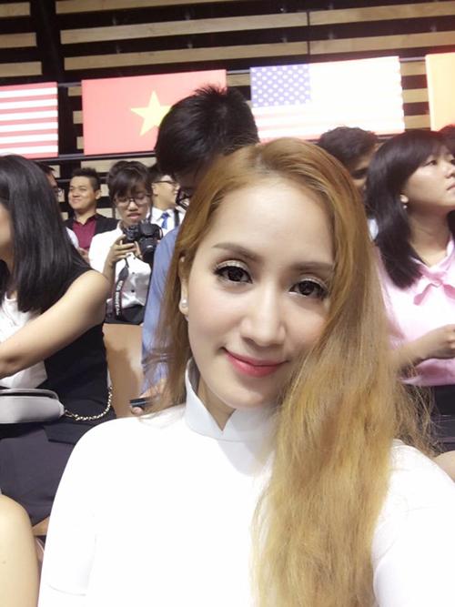 khanh-thi-lan-phuong-xep-hang-tu-som-de-gap-tong-thong-obama-3