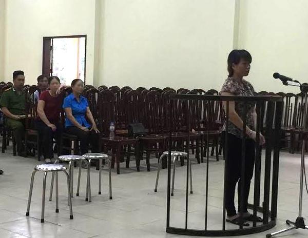 Bị cáo Trần Thị Viên tại tòa.
