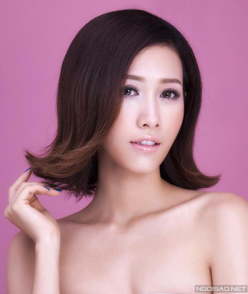 Bộ ảnh được thực hiện với sự hỗ trợ của Phan Thu Quyên Photo : Hoàng Miên Retouch: Hoàng Tuấn Make Up & Hair : Lý Trường Giới