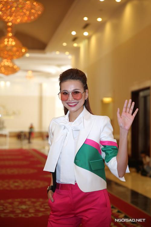 sao-viet-nhiet-tinh-lang-xe-phu-kien-thoi-thuong-1