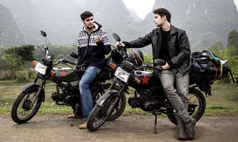 2 chàng trai Thụy Sĩ phượt xuyên Việt bằng xe máy suốt 4 tuần