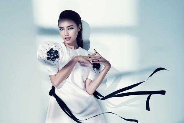 lan-ngoc-goi-cam-cung-bodysuit-6