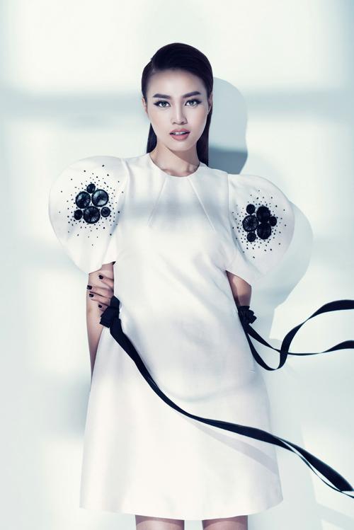 lan-ngoc-goi-cam-cung-bodysuit-8