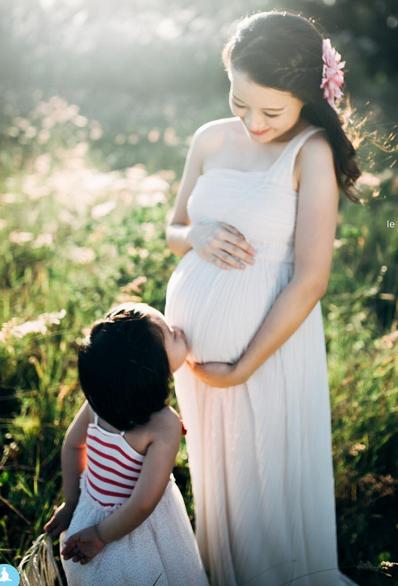 Hình ảnh hạnh phúc của Minh Trang lúc mang bầu bé Bánh Mì