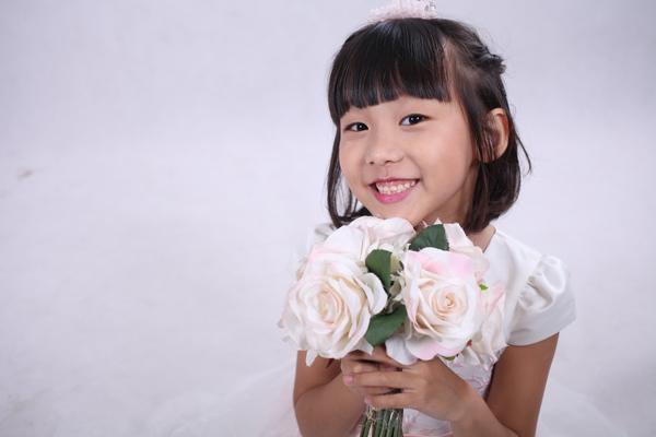 vo-chong-thai-thuy-linh-hanh-phuc-ben-con-chung-con-rieng-7