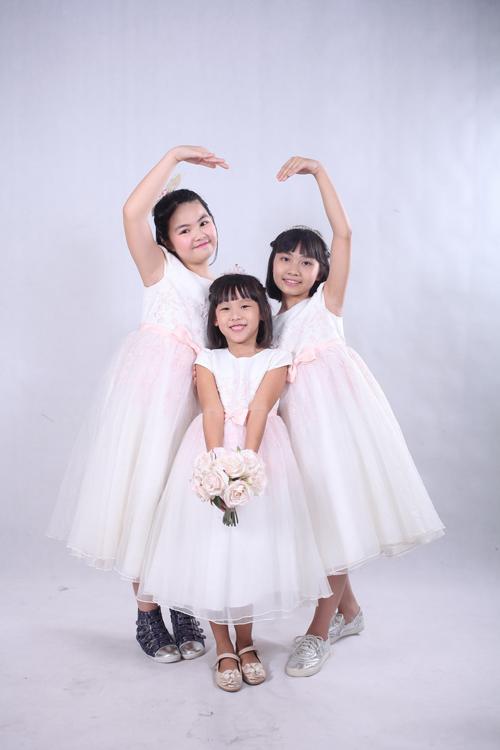 vo-chong-thai-thuy-linh-hanh-phuc-ben-con-chung-con-rieng-5