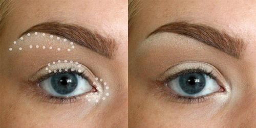 Highlight 3 vùng cơ bản cho mắt Highlight ở góc mắt, chính giữa mí mắt và ngay dưới đuôi lông mày sẽ giúp mắt trông tươi tắn hơn.