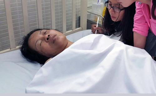 Bà Lý tại bệnh viện. Ảnh: Duy Trần.