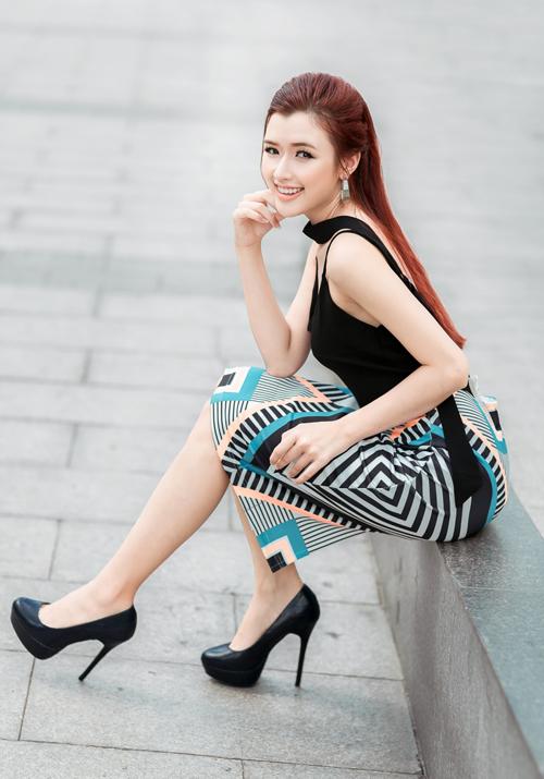 nu-hoang-trang-suc-phuong-chi-goi-cam-xuong-pho-1