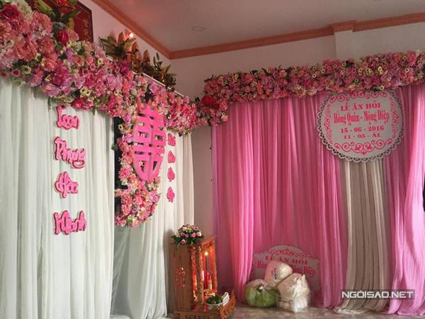 Màu hồng lãng mạn được chọn làm sắc màu chủ đạo trong khâu trang trí ở nhà Kỳ Hân.