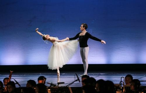 linh-nga-paris-ballet-khien-toi-bat-khoc-1