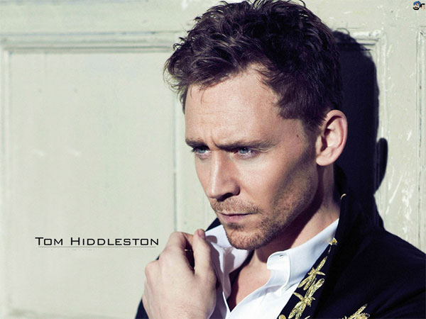 10-dieu-thu-vi-ve-tinh-moi-cua-taylor-tai-tu-tom-hiddleston