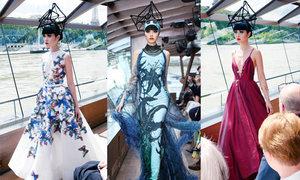 Sàn diễn nổi độc đáo trên sông Seine của Jessica Minh Anh