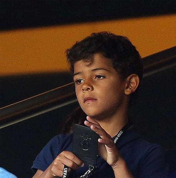 con-trai-c-ronaldo-9