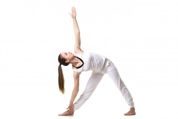 7-dong-tac-yoga-giup-tang-size-nguc-khong-can-dao-keo-1