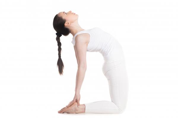 7-dong-tac-yoga-giup-tang-size-nguc-khong-can-dao-keo-6