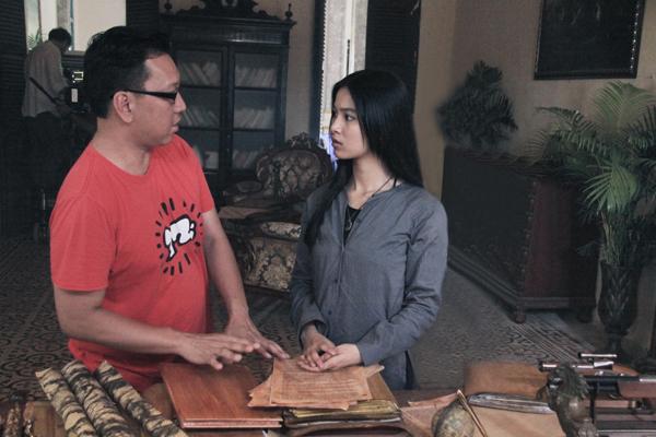 nhung-kate-vao-vai-co-hau-gai-trong-phim-kinh-di-6