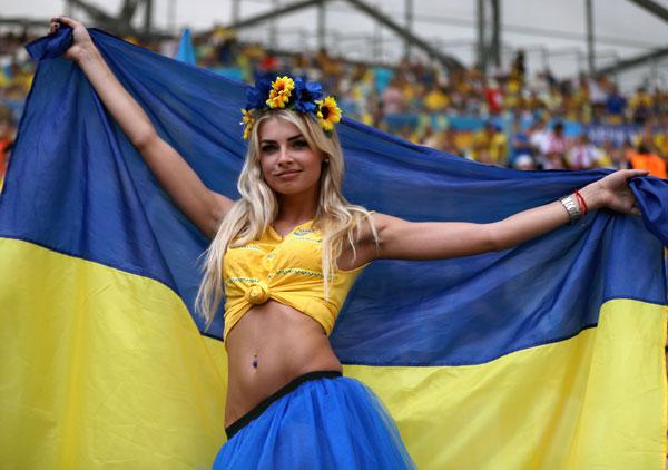 nguoi-dep-ba-lan-va-ukraine-do-eo-con-kien-10