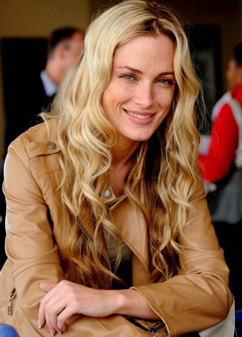 Người đẹp Reeva Steenkamp ra đi mãi mãi bởi 4 phát đạn oan nghiệt từ chính bạn trai