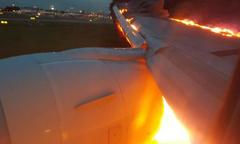 Máy bay Singapore Airlines chở 241 người bốc cháy