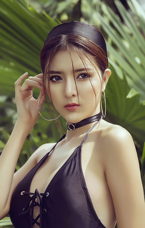 lilly-luta-khoe-dang-nuot-na-cung-ao-tam-sexy
