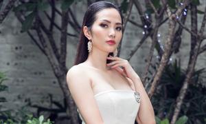 Hoa hậu Diệu Linh gợi cảm với váy áo tự thiết kế