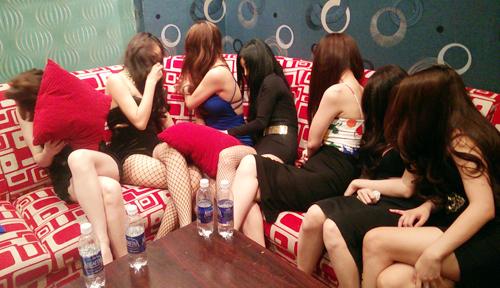 Hoạt động mại dâm ở TP HCM gia tăng và biến tướng dưới nhiều hình thức trong thời quan gần đây. Ảnh: Quốc Thắng.