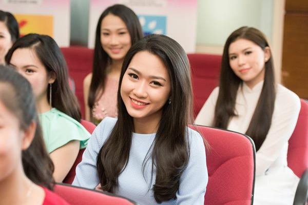 Từ 10/7 đến 16/7, top 32 sẽ tham gia các hoạt động như tham quan thắng cảnh phía Bắc, ghi hình giới thiệu, chụp ảnh áo dài và tập luyện cùng các chuyên gia hàng đầu Việt Nam.Đêm chung khảo phía Bắc cuộc thi Hoa hậu Việt Nam 2016 do đạo diễn Hoàng Nhật Nam làm tổng đạo diễn, được tổ chức vào lúc 20h ngày 17/7 tại Tuần Châu - Hạ Long, phát sóng trực tiếp trên VTV9.