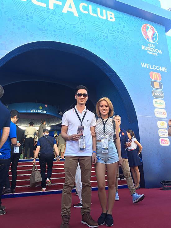 Sau bao nhiêu mơ ước từ thuở nhỏ, cuối cùng Producer hàng đầu Việt Nam, SLim V cũng chính thức có mặt tại chung kết Euro 2016 tại Pháp và được hoàn toàn thỏa mãn với trận đấu lịch sử giữa Pháp và Bồ Đào Nha.