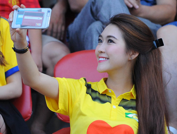 ba-tung-va-dan-hot-girl-nghe-an-toa-sac-o-v-league-8