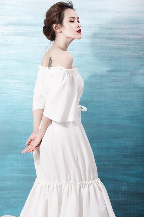 Trong bộ ảnh mới, Tú Vi khoe vẻ đẹp nhẹ nhàng với các trang phục trắng