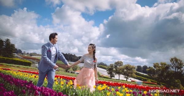 [Caption]Tuy vậy, tình yêu của Chiến và Hương gặp phải sự phản đối  gay gắt từ phía gia đình. Bố mẹ hai bên đều muốn cặp đôi tập trung học tập trong thời gian xa nhà.