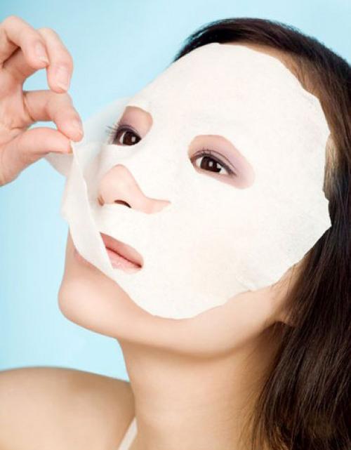 Miếng giấy mặt nạ giúp hạn chế tình trạng vàng da.