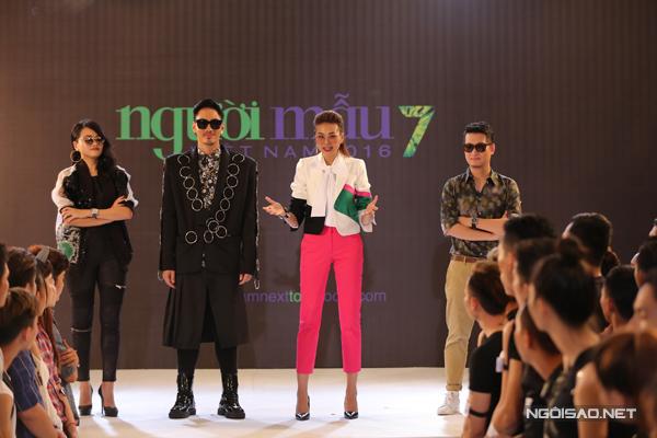 thi-sinh-next-top-khoc-ngat-vi-catwalk-tren-khong
