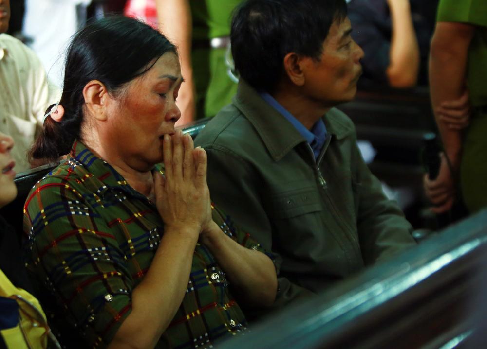 Người mẹ tuyệt vọng cầu nguyện Vũ Văn Tiến thoát án tử