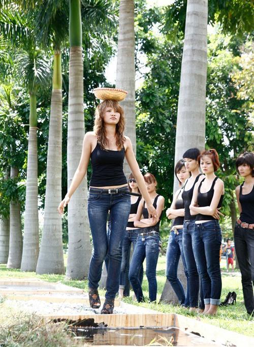 8-san-catwalk-khien-mau-viet-phat-hoang-1