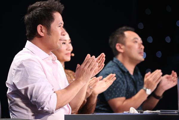 chang-ban-bun-bo-toa-sang-tai-gala-1-vietnam-idol-1