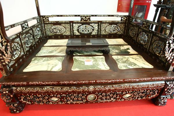 chiec-giuong-khung-nang-800-kg-nhu-long-sang-hoang-gia