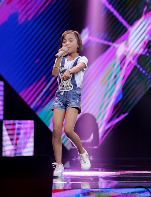 be-10-tuoi-khoe-giong-hat-khung-tai-the-voice-kids-7