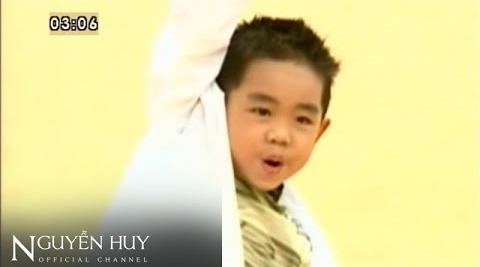 than-dong-be-chau-tai-xuat-da-tro-thanh-hot-boy-19-tuoi