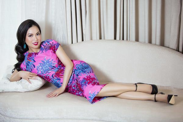 ha-phuong-khoe-ve-dep-sexy-cung-vay-ren-6