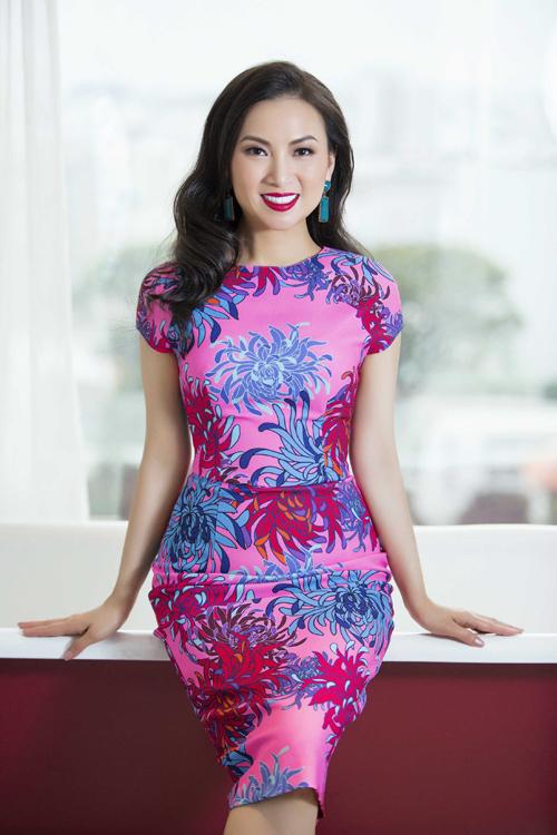 ha-phuong-khoe-ve-dep-sexy-cung-vay-ren-8