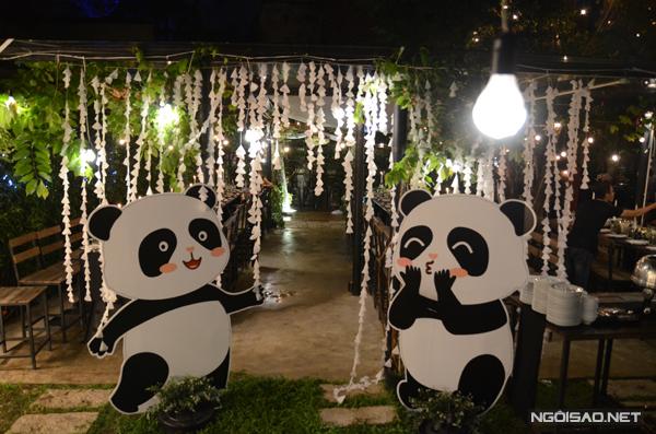 le-dinh-hon-style-gau-panda-cua-nu-tiep-vien-hang-khong-xinh-dep-1