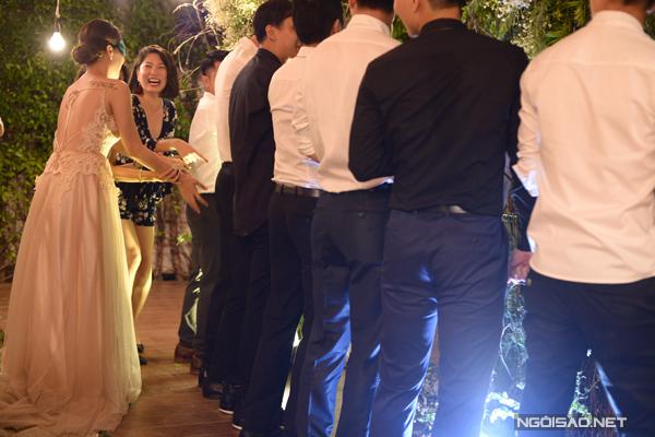 le-dinh-hon-style-gau-panda-cua-nu-tiep-vien-hang-khong-xinh-dep-9